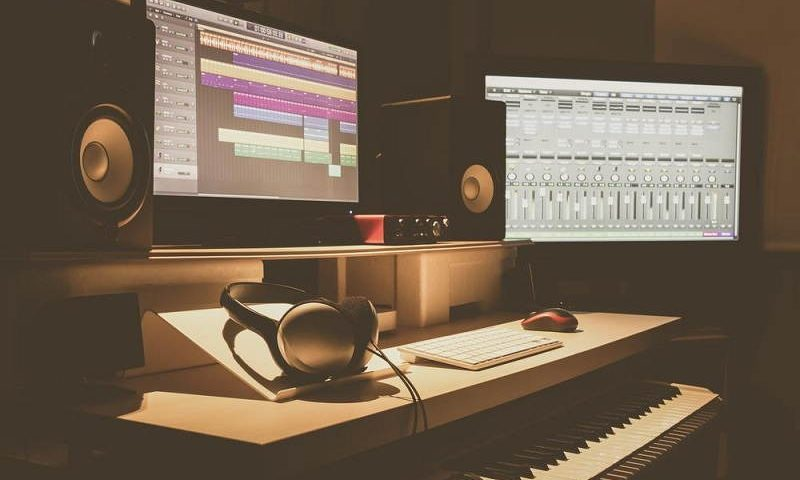 How To Make A Complete Recording Studio Under $150 – Buying Guide
